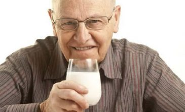Beneficios de la leche durante la tercera edad