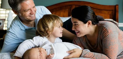 Revelan la relación entre la longevidad de los padres y la de los hijos