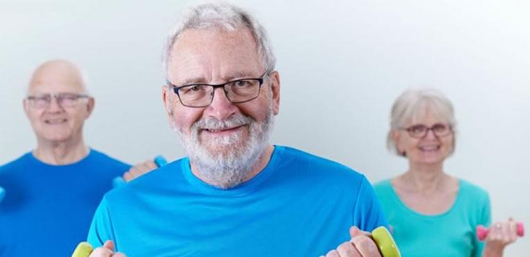Cómo aliviar los dolores musculares por el envejecimiento