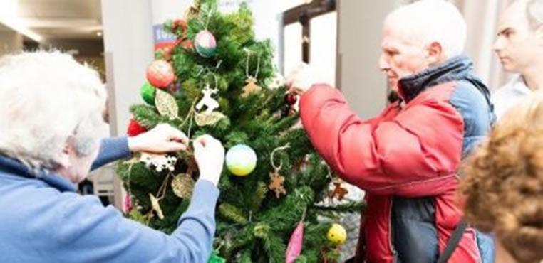 La Navidad, un momento ideal para compartir con los adultos mayores