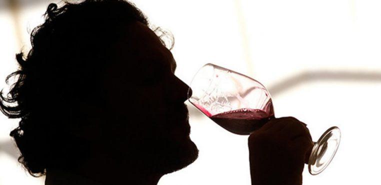 Aseguran que el consumo de vino tinto mejora la memoria y el humor en la tercera edad