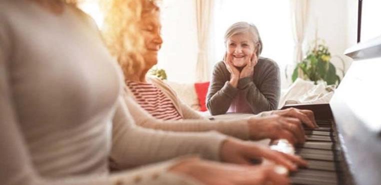 Tercera y cuarta edad ¿Cuáles son los beneficios de la musicoterapia?